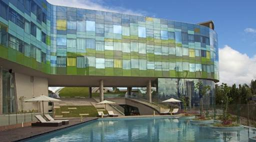 Vivanta by Taj - Whitefield, Bangalore wins the 'Best commercial building' at the LEAF awards 2012